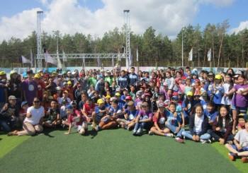 Сборная команда Якутии по пауэрлифтингу среди паралимпийцев встретилась с участниками смены «Планета Лингва»