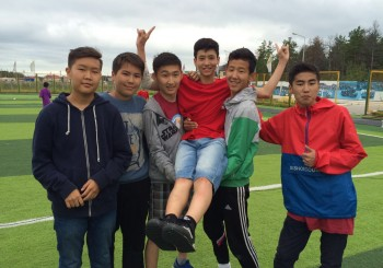 Центр «Сосновый бор» и «Энергетик» сыграли в футбол